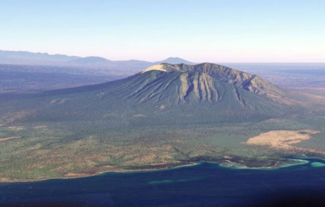 gunung baluran, Highest Mountains in Indonesia