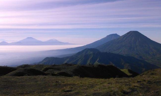 Gunung YARAMAMAFAKA