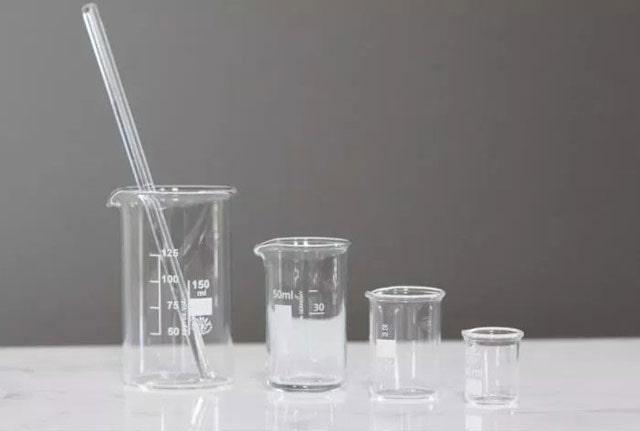Gelas piala atau gelas beaker