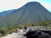 Gunung gede, misteri dan jalur pendakian