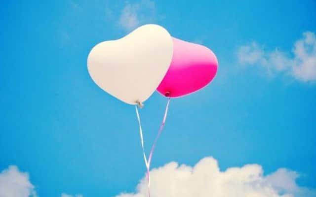 gambar balon berbentuk love