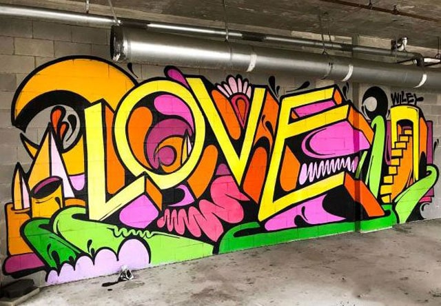Gambar graffiti love
