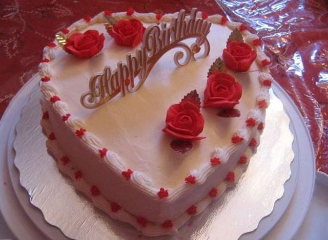 gambar kue ulang tahun love