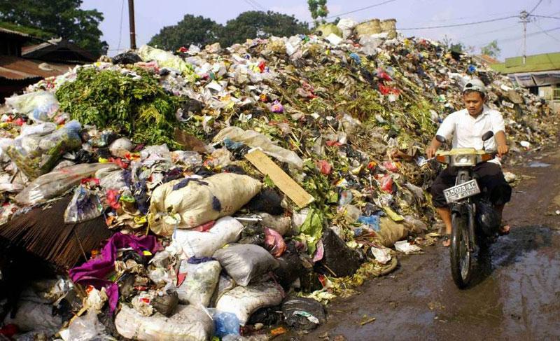 Gambar Pencemaran Tanah