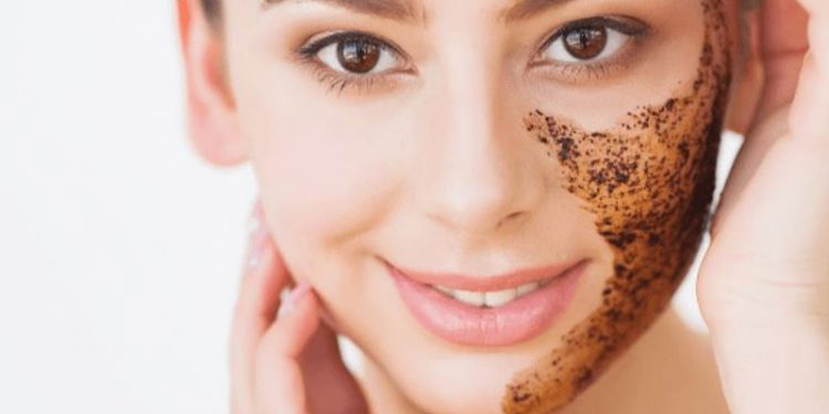 7 Cara Alami Menghilangkan Flek Hitam pada Wajah