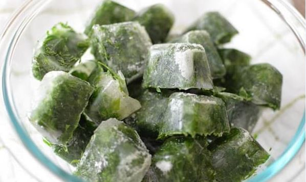 Freeze Parsley in Cubes