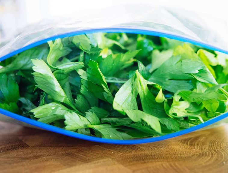 Freeze Parsley in a Bag