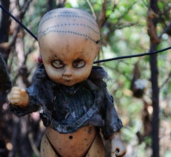 scary dolls on dolls island