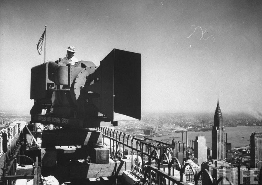 Men testing the Chrysler-Bell Victory Siren in RCA
